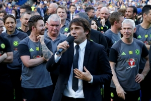 Conte in crosshairs for England's mighty managers