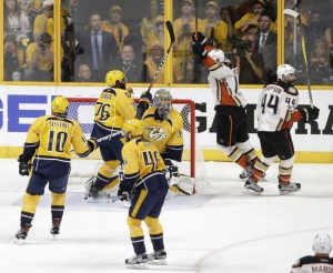 Ducks even Western finals at 2, beating Predators 3-2 in OT