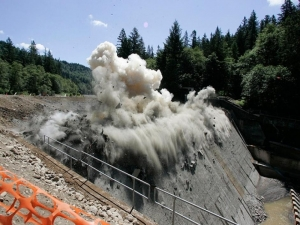 Local authorities demolishes dams with the purpose of encroaching upon public land