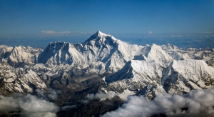 Mount Everest sees season's first successful ascent
