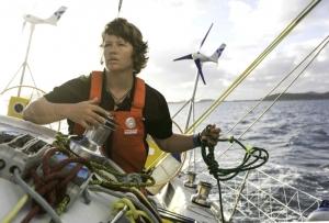 Solo yachtswoman forced to abandon Antarctica bid