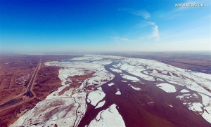 N China's Inner Mongolia section of Yellow River starts to thaw (Photo Feature)