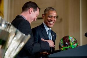 Obama celebrates sprint cup with Nascar