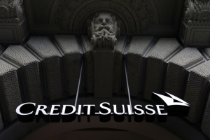 Credit Suisse raises fresh capital, drops Swiss IPO